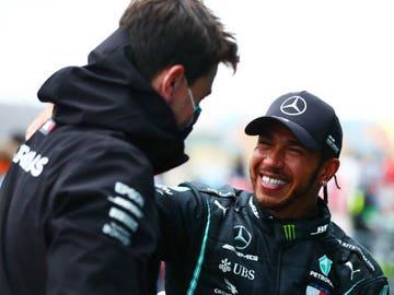 Lewis Hamilton y Toto Wolff
