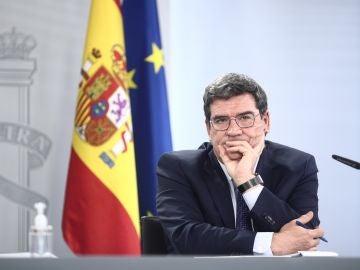 El ministro de Inclusión, Seguridad Social y Migraciones, José Luís Escrivá, durante una rueda de prensa posterior al Consejo de Ministros, en la Moncloa, Madrid.