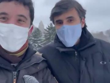 El encuentro casual entre Emilio Domenech y Sandro Pozzi en Nueva York: al fin se conocen en persona tras meses en laSexta