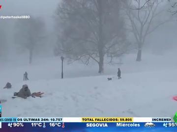 Las imágenes de la nevada histórica que ha caído en Nueva York