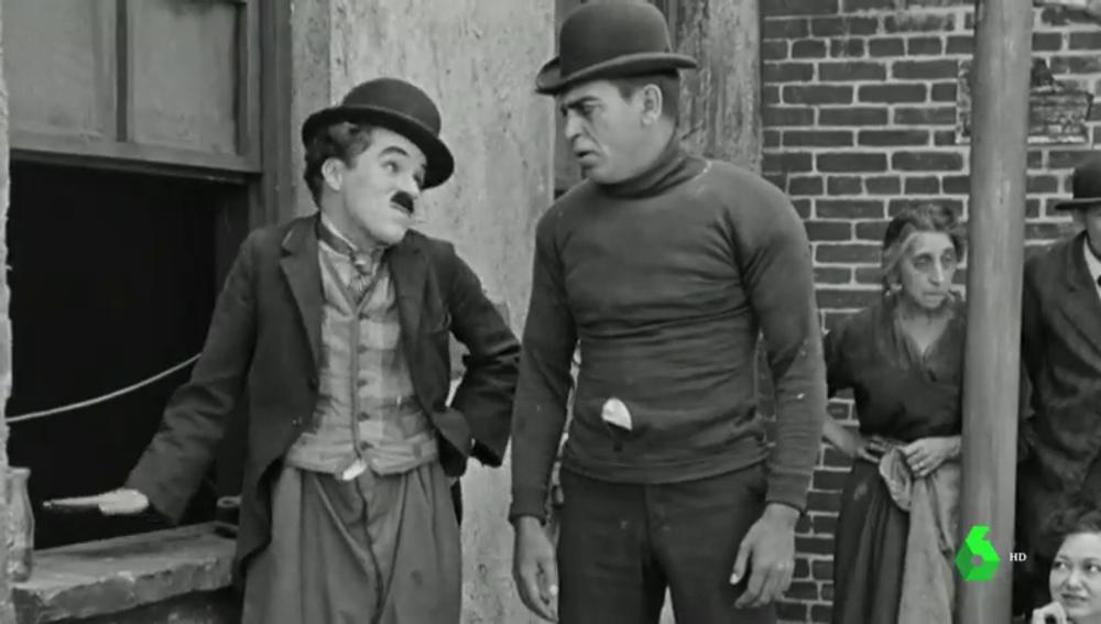 Imagen de 'El Chico', película de Chaplin