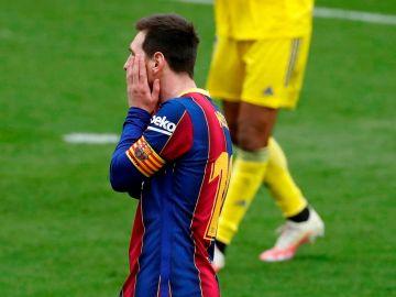 Leo Messi se lamenta