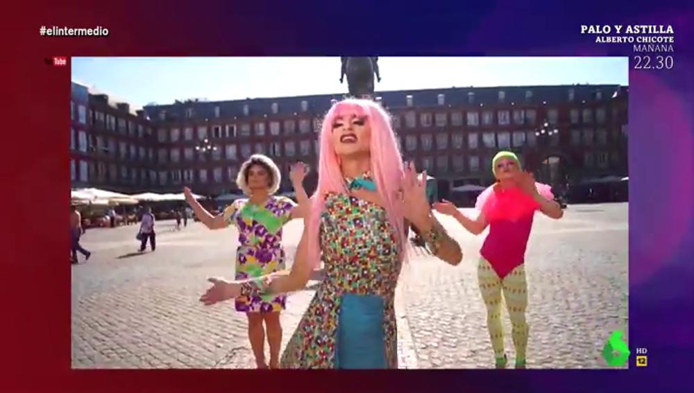 """""""Adiós Botella, bye, bye, PP"""": el videoclip del temazo con el que Kika Lorace pidió el voto para Carmena en 2015"""