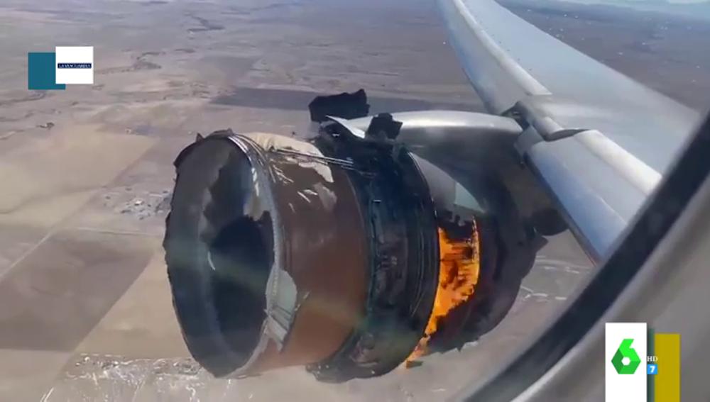 El impactante vídeo que muestra cómo se vio desde dentro del avión las llamas del motor que ardió en pleno vuelo