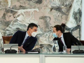 Pedro Sánchez y Pablo Iglesias en el COnsejo de Ministros