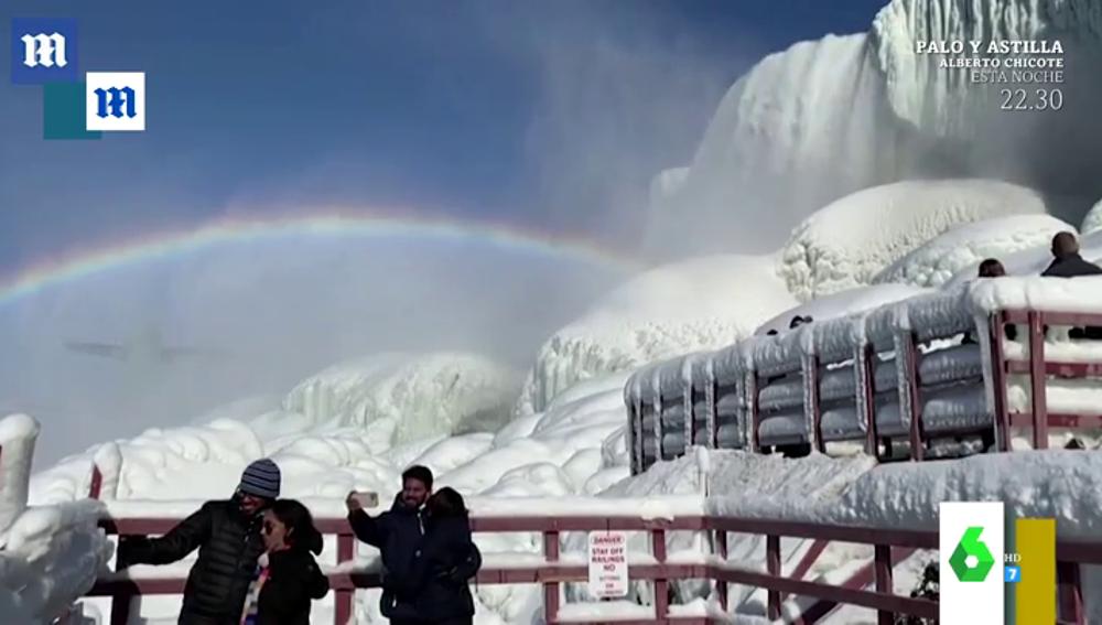 Las cataratas del Niágara totalmente congeladas