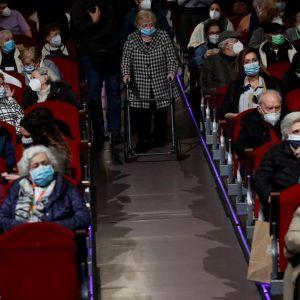 El Teatro EDP Gran Vía celebra una función especial para los mayores de residencias de Madrid inmunizados