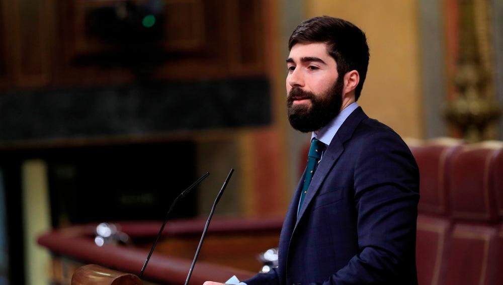 El diputado de Vox Manuel Mariscal durante su intervención este jueves en el pleno del Congreso de los diputados
