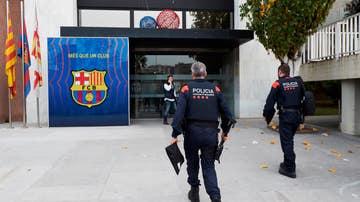 Mossos acceden a las oficinas del Barça