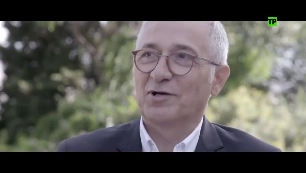 """Xavier Sardà se somete a su entrevista más personal en Palo y Astilla: """"Mi padre tenía auténtica calidad humana"""""""