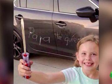 """La """"original"""" felicitación de una niña por el Día del Padre"""