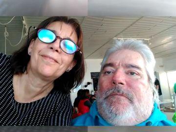 Lola y su hermano, quien falleció en 2017 por una infección
