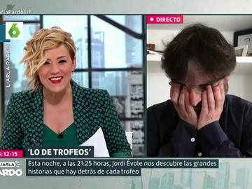 El divertido descuido de Jordi Évole con la bragueta en pleno directo que obliga a Cristina Pardo a avisarle entre risas
