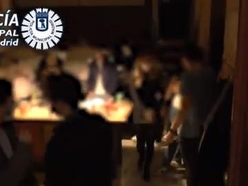 La Policía interviene en una fiesta ilegal en una vivienda turística en Madrid