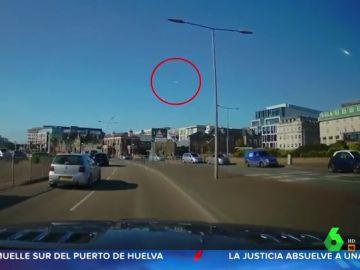 Graban un meteorito atravesando el cielo del norte de Francia a plena luz