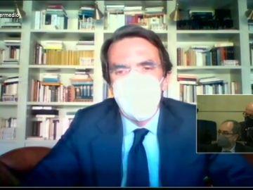 La justificación de Aznar cuando le preguntan en pleno juicio por qué lleva mascarilla si está solo