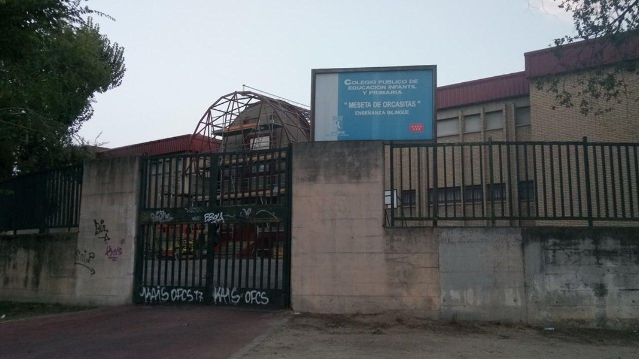 El Colegio Meseta de Orcasitas tiene más de 2000m2 de amianto en su estructura.