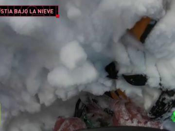 Angustioso rescate a un esquiador tras quedar sepultado por una avalancha
