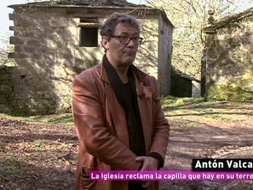 Antón Valcarce denuncia que la Iglesia ha inmatriculado su capilla