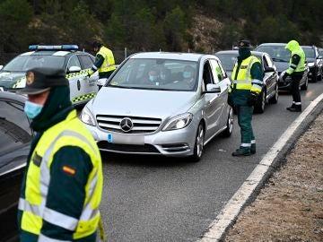 La Guardia Civil monta controles perimetrales para vigilar la movilidad por la pandemia