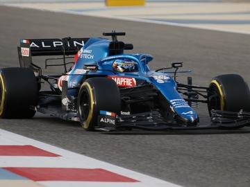 Fernando Alonso, a los mandos de su Alpine