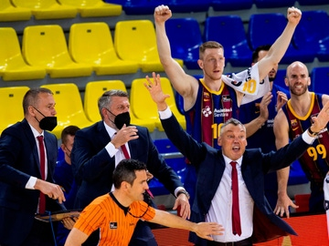 voz Antonio Conde, árbitro principal del Barça - Madrid, y Sarunas Jasikevicius