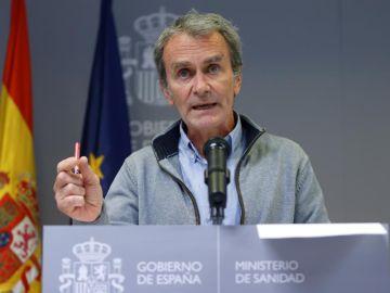El director del Centro de Coordinación de Alertas y Emergencias Sanitarias (CCAES), Fernando Simón, durante la rueda de prensa .