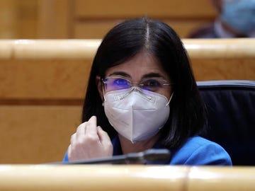 La ministra de Sanidad, Carolina Darías, interviene durante la sesión de control al Gobierno en el pleno del Senado.