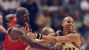Michael Jordan y Reggie Miller en el sexto partido de la final de 1998 de la Conferencia Este