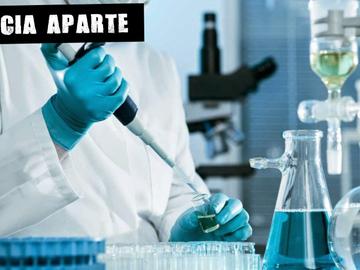 Científico en un laboratorio (Archivo)