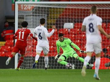 Thibaut Courtois echa el cierre y lidera el pase del Real Madrid a semifinales de Champions