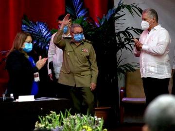 Raúl Castro anuncia su adiós de la política