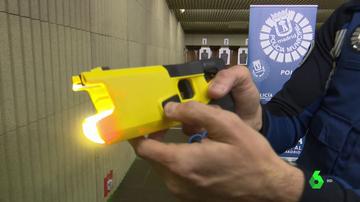 Organizaciones de Derechos Humanos exigen una regulación estatal de las pistolas eléctricas Taser.