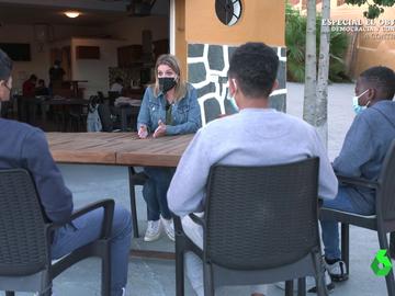 El Intermedio (26-04-21) Los sueños de los niños migrantes que llegan solos en patera a España en busca de una oportunidad: llegar a ser cocinero o peluquero
