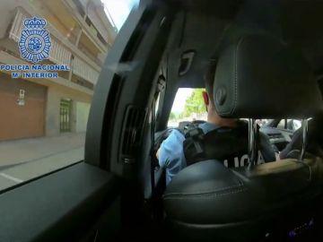 La persecución desde el coche patrulla de la Policía Nacional