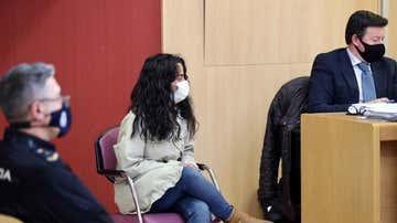 La acusada de matar a su bebé de 53 puñaladas en Gijón