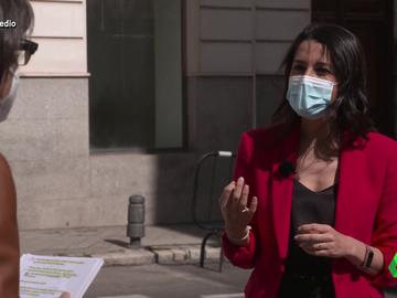 """La confesión de Inés Arrimadas a Thais Villas: """"Si esa chaqueta hablara, tendría unos cuantos problemas"""""""