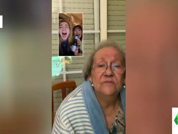 """El cabreo de una abuela ante una broma de Tik Tok: """"De qué os reís, hijas de puta"""""""