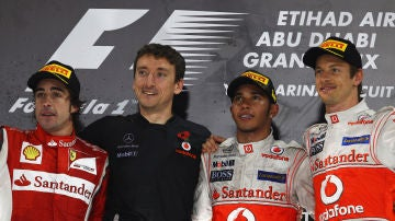 Fernando Alonso, Andy Latham, Lewis Hamilton y Jenson Button