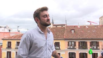 Profesor, actor y aficionado al surf: así es Ethan Alcaraz, el primer candidato trans a Mister RNB España