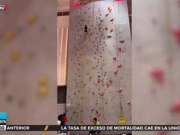 El sorprendente vídeo de una niña que escala 12 metros en tan solo 10 segundos