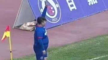 Un millonario chino compra un club y obliga al entrenador a poner a su hijo de 126 kilos