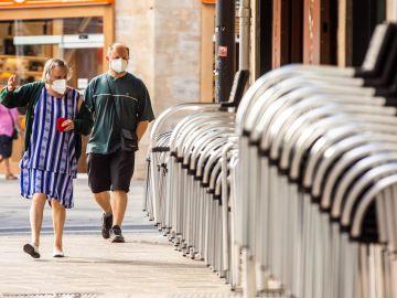 """Cataluña reabre el debate sobre el fin de las mascarillas: estudiará su uso """"en las próximas semanas"""""""