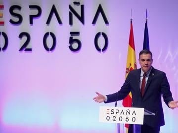 El plan de Sánchez para la España del 2050: tasa de paro del 7% y jornada laboral de 35 horas