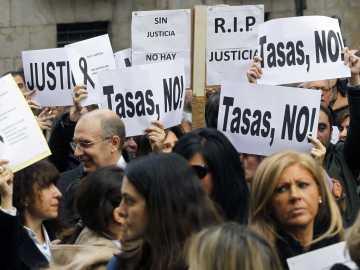 Protestas de jueces y fiscales por las tasas