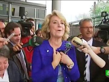 Esperanza Aguirre responde a manifestantes castristas