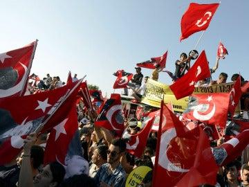 Protesta en contra del Gobierno en Estambul.