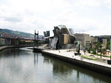 Imagen panorámica de la Ría de Bilbao.