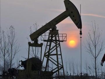 Extracción de petróleo (Archivo)