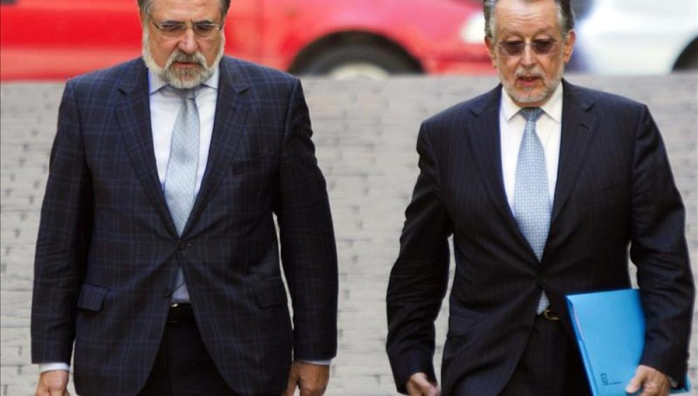 El vicealcalde de Valencia, Alfonso Grau, junto a su abogado, José Bonet